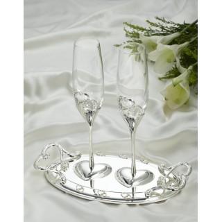 Свадебные бокалы на подносе